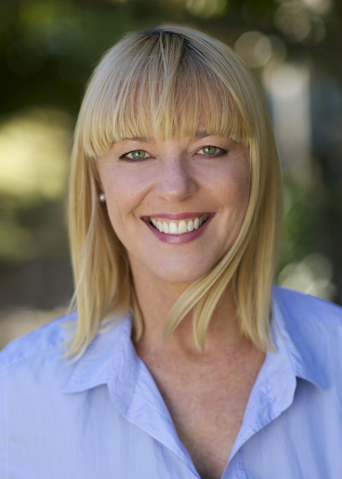 Cathi Ogden Headshot